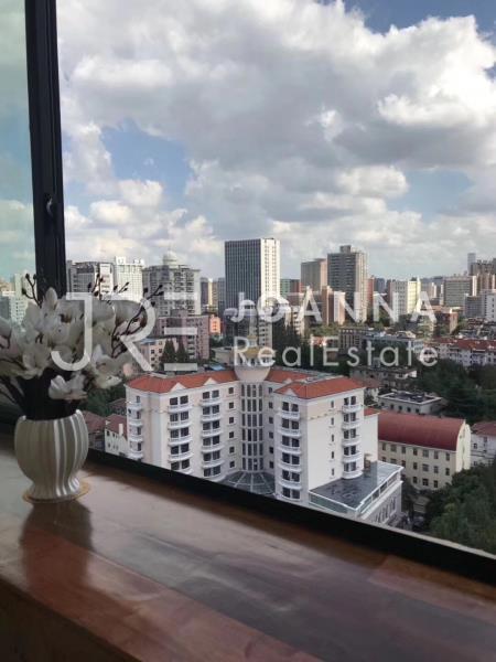 Hualong Apartment